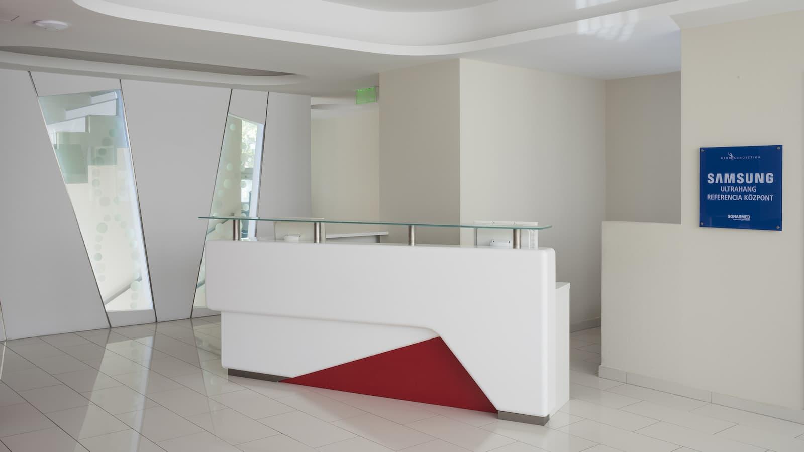 Géndiagnosztika emeleti recepció