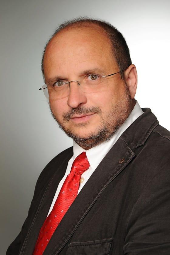 Dr Soós Miklós ügyvezető igazgató