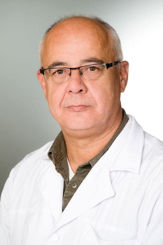 Dr Hentes Tibor proktológus