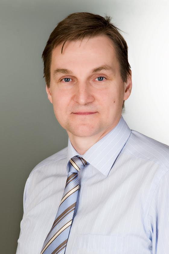 Dr Ágoston Péter