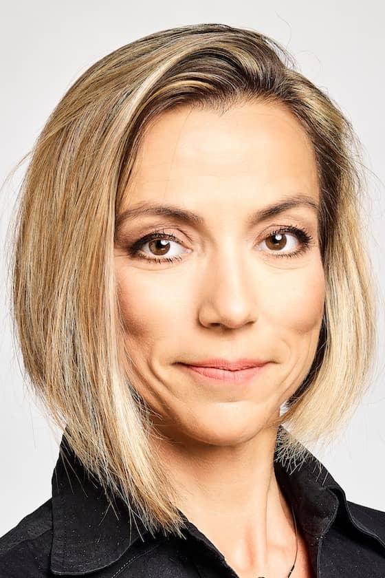 Dr Csajbók Éva